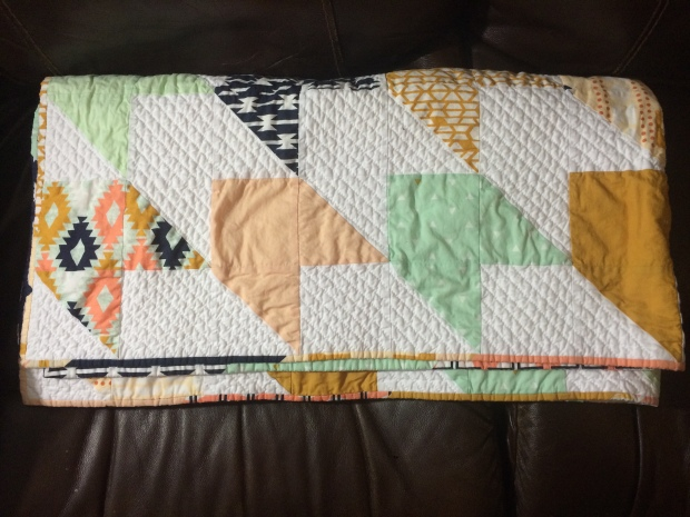 Arizona Arrow Quilt  #Arizona #HandQuilting #SocoCharms #Quilting